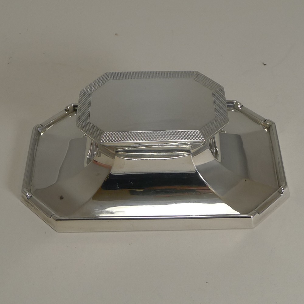 smart art deco english sterling silver inkwell by deakin and francis 1933